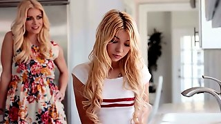 Yummy stepdaughter Kenzie Reeves cant resist licking pussy of seductive stepmom