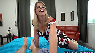 Slutty mother Cory haunt Gives Step son-in-law a Helping Hand & Pussy