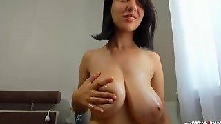 Wet oiled big saggy natural tits daughter
