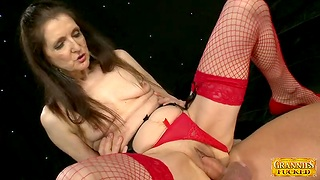 Gorgeous babe Patty G gets talked come into possession of sucking coupled with riding a dick