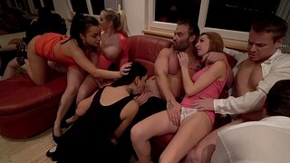 Jarushka Ross with an increment of her bisexual friends having distraction with each every other