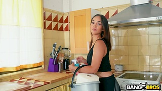 Gentle first time anal sex be beneficial to stunning maid Ginebra Bellucci