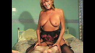 Lovely babe Kirsty pleases a big gumshoe involving her mouth and pussy