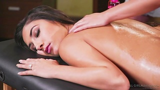 Jill Kassidy and Gianna Dior are making love with one pretty massage girl