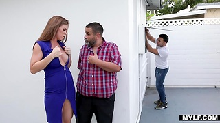 Young worker fucks super sexy housewife Ivy Secret near order of her economize