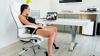 Aroused MILF tries approving office sex